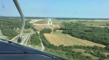 Aircraft's LPV approach and landing at Pula Airport, runway 09